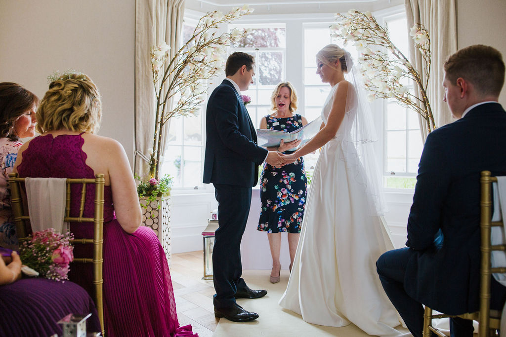 Elegant and intimate wedding at the family home in May 2019